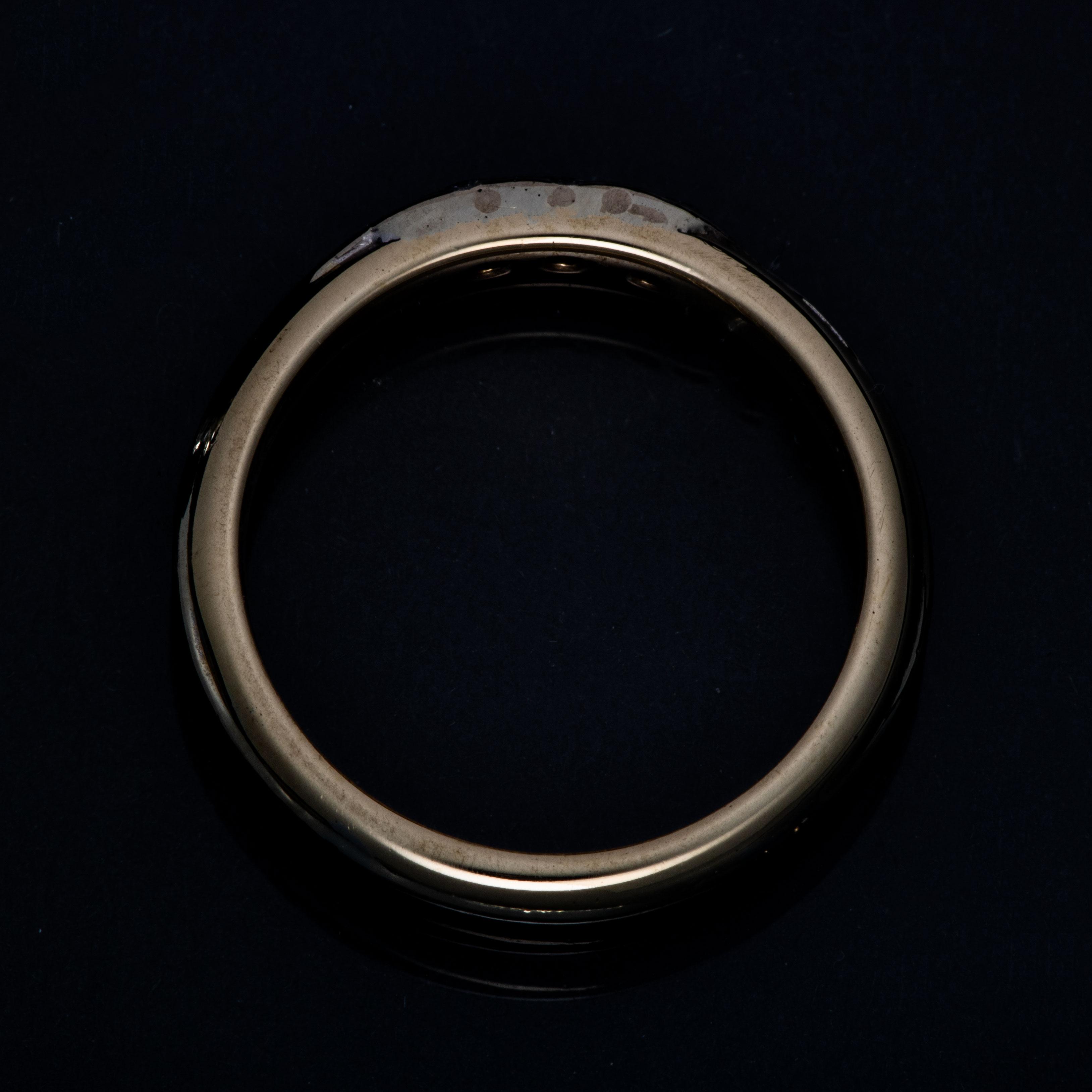 Ring, gult gull, diamanter