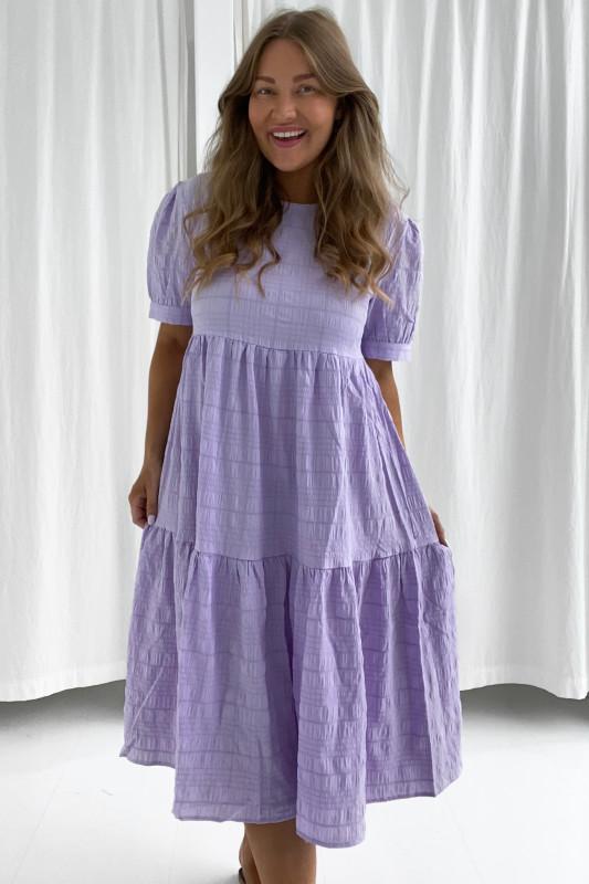 BYIC - Lang Vilma kjole - Pastel lilla
