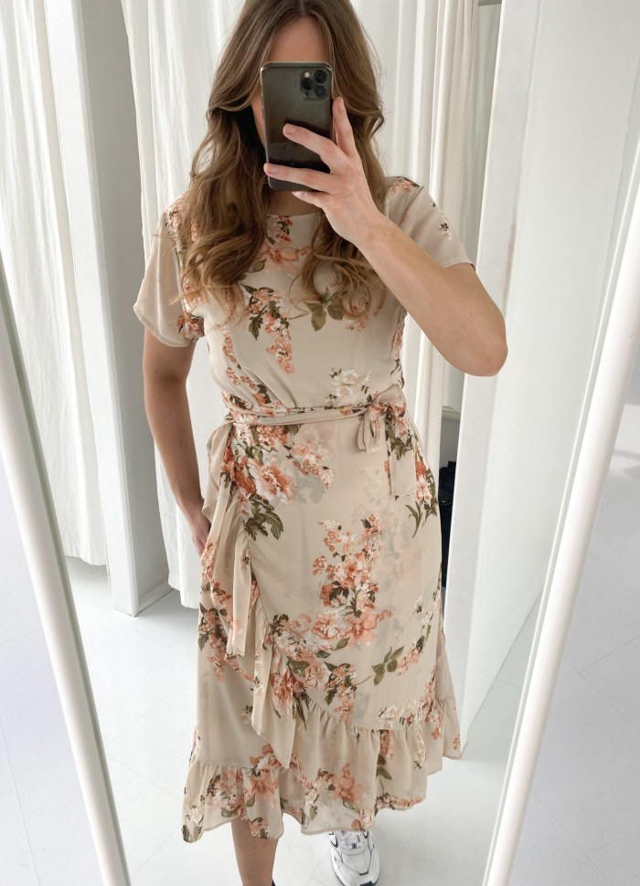 BYIC - Agnete kjole - Beige blomsterprint