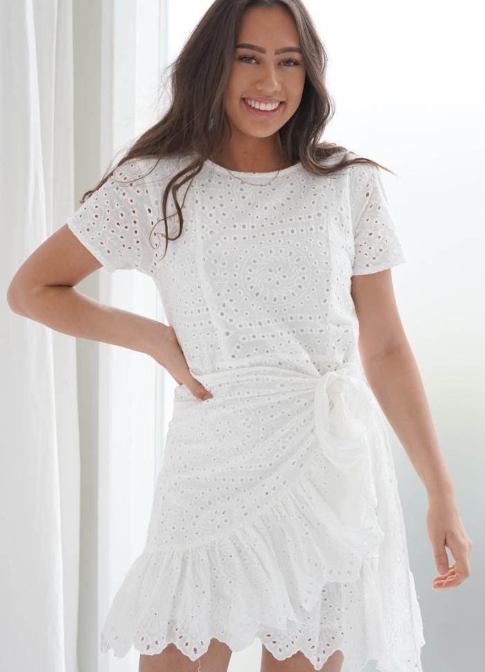 BYIC - Agnes kjole - Hvid broderet