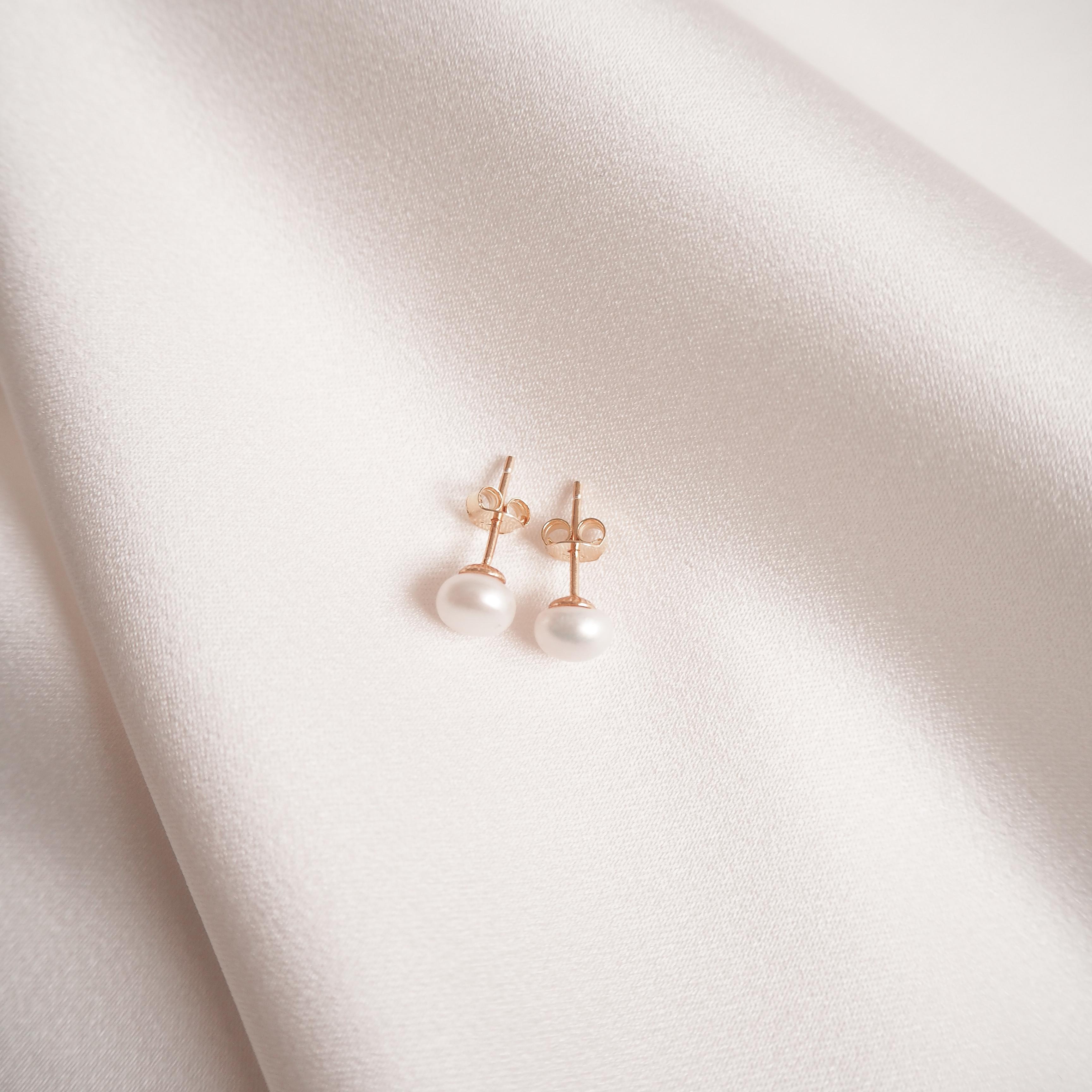 Lilja Earrings
