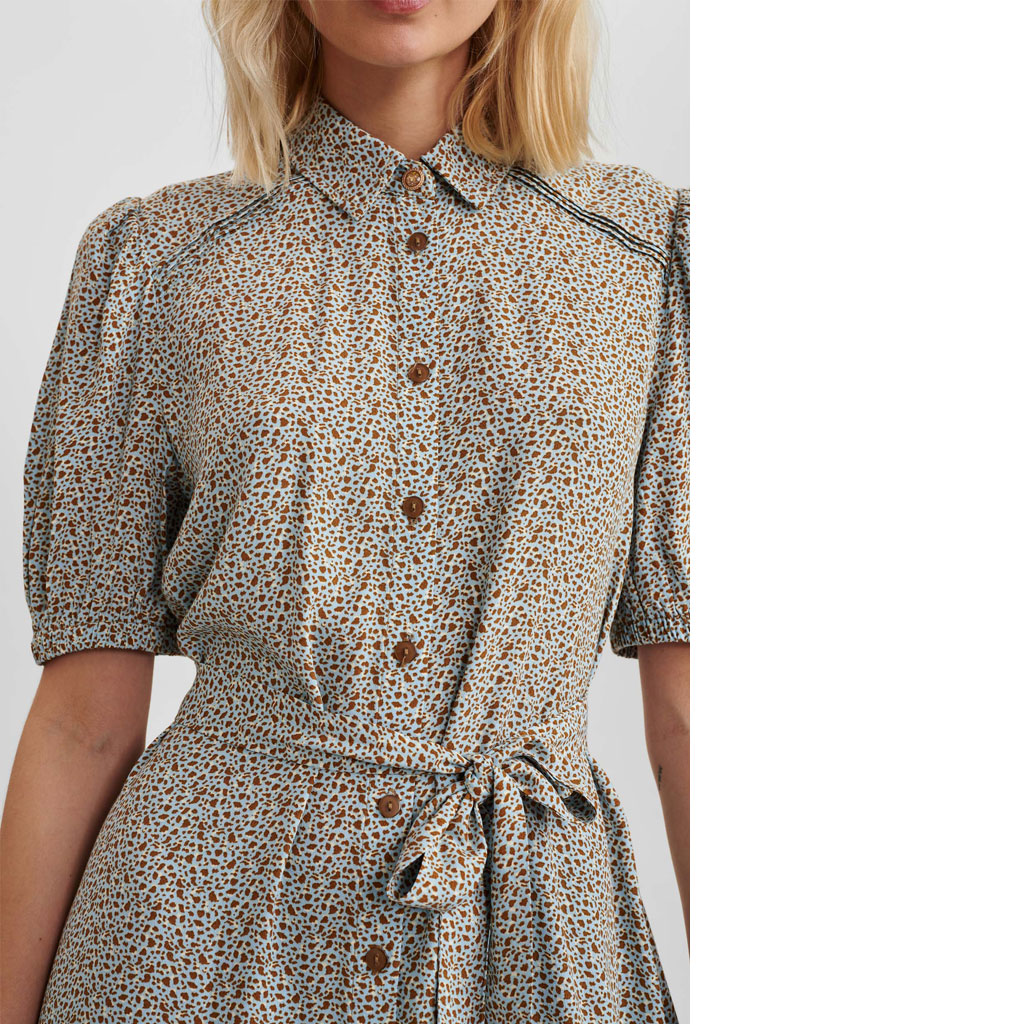 Skjortekjole med knapper og bånd, Nümph