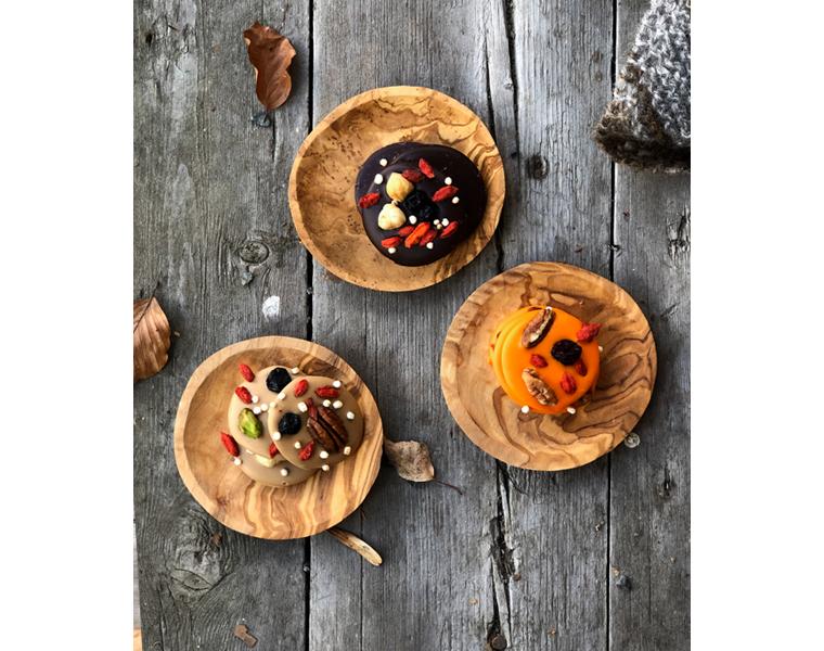Sjokoladepletter - Appelsin og karamellsjokolade med nøtter og bær