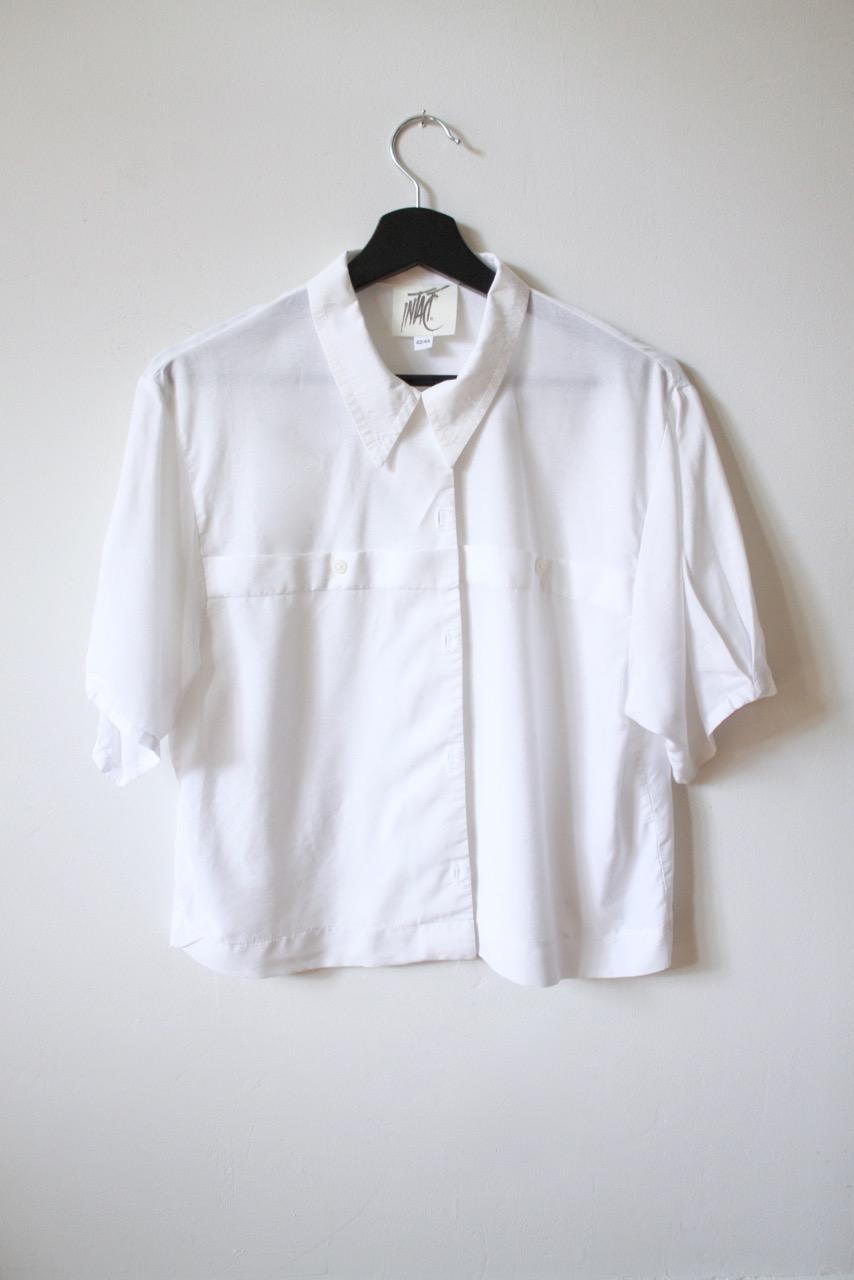 Kortärmad vid skjortblus i kort modell