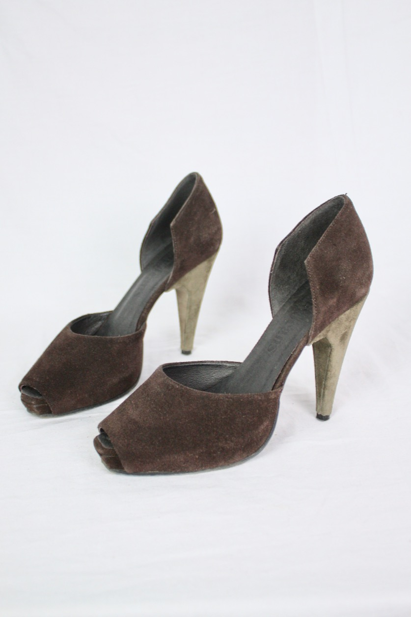 Acne Jeans högklackade skor i mocka, stl 37