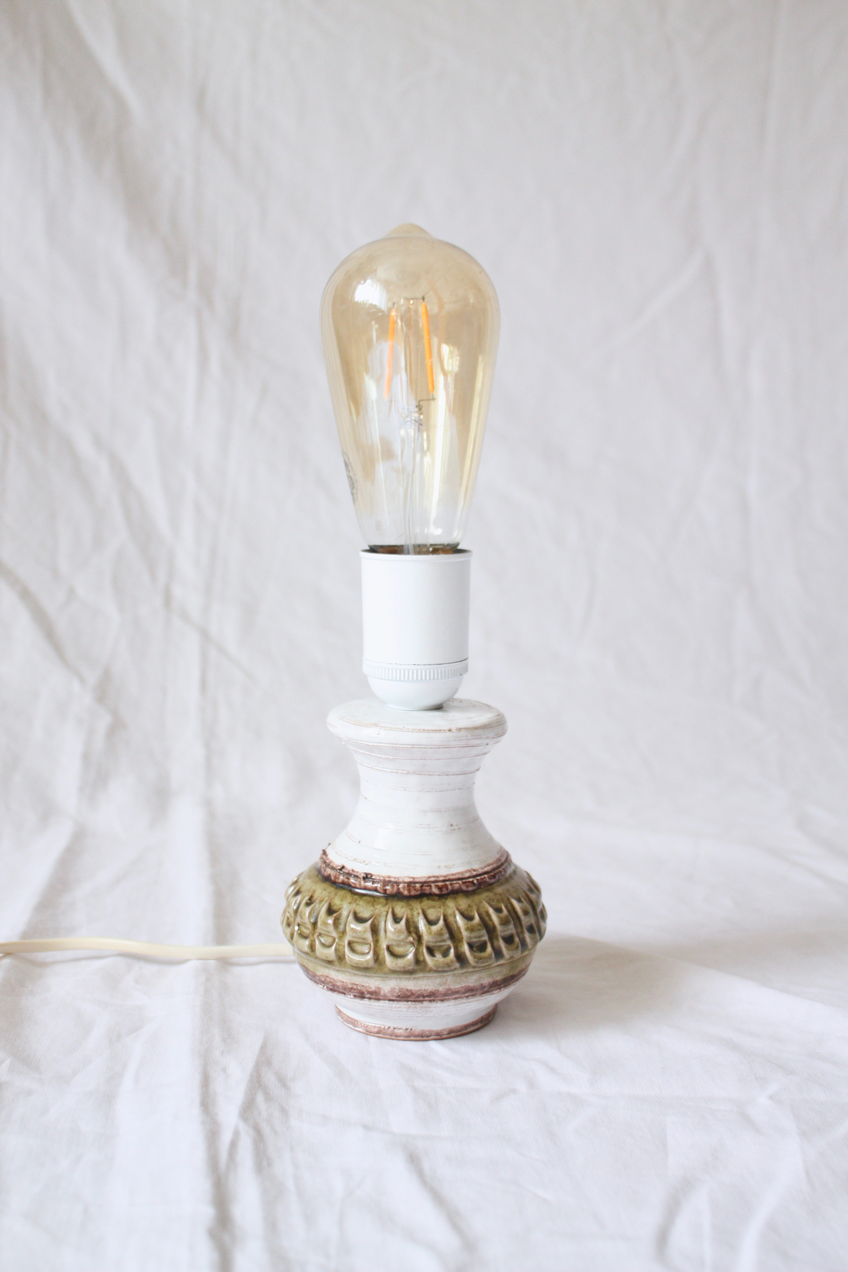 Retro lampfot i keramik vit/grön/brun