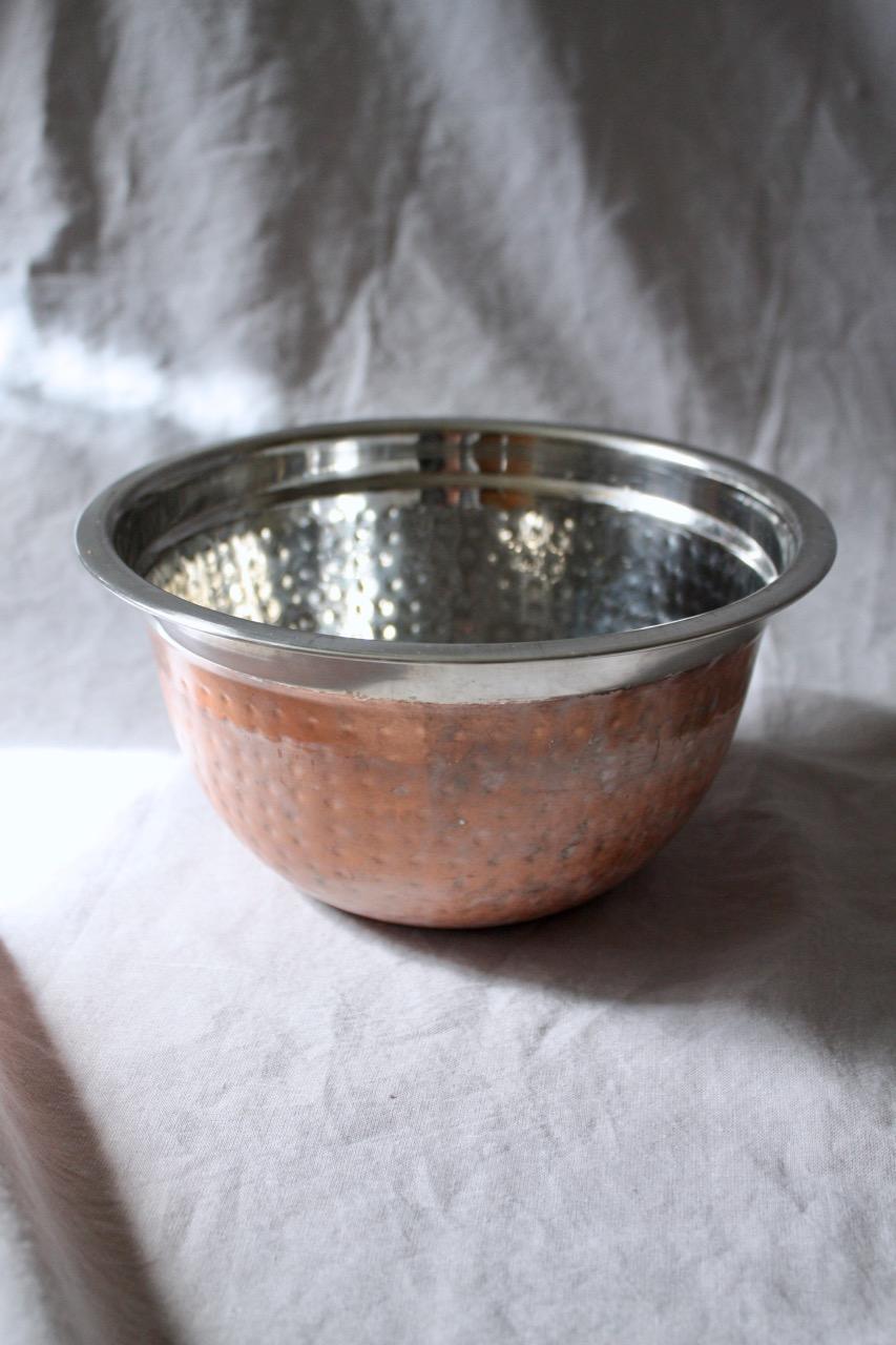 Hamrad skål i rostfritt stål
