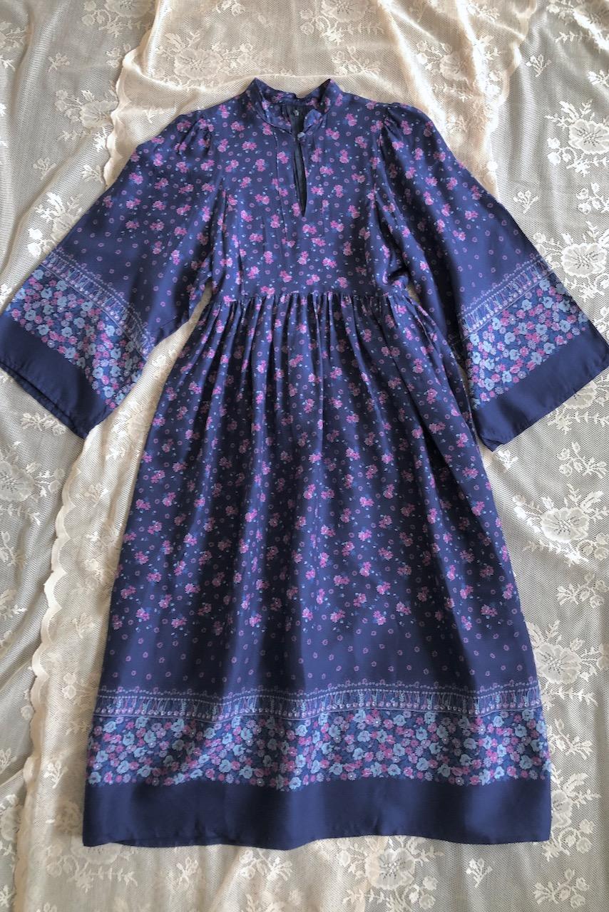 Vintage blommig klänning trumpetärm, stl XS