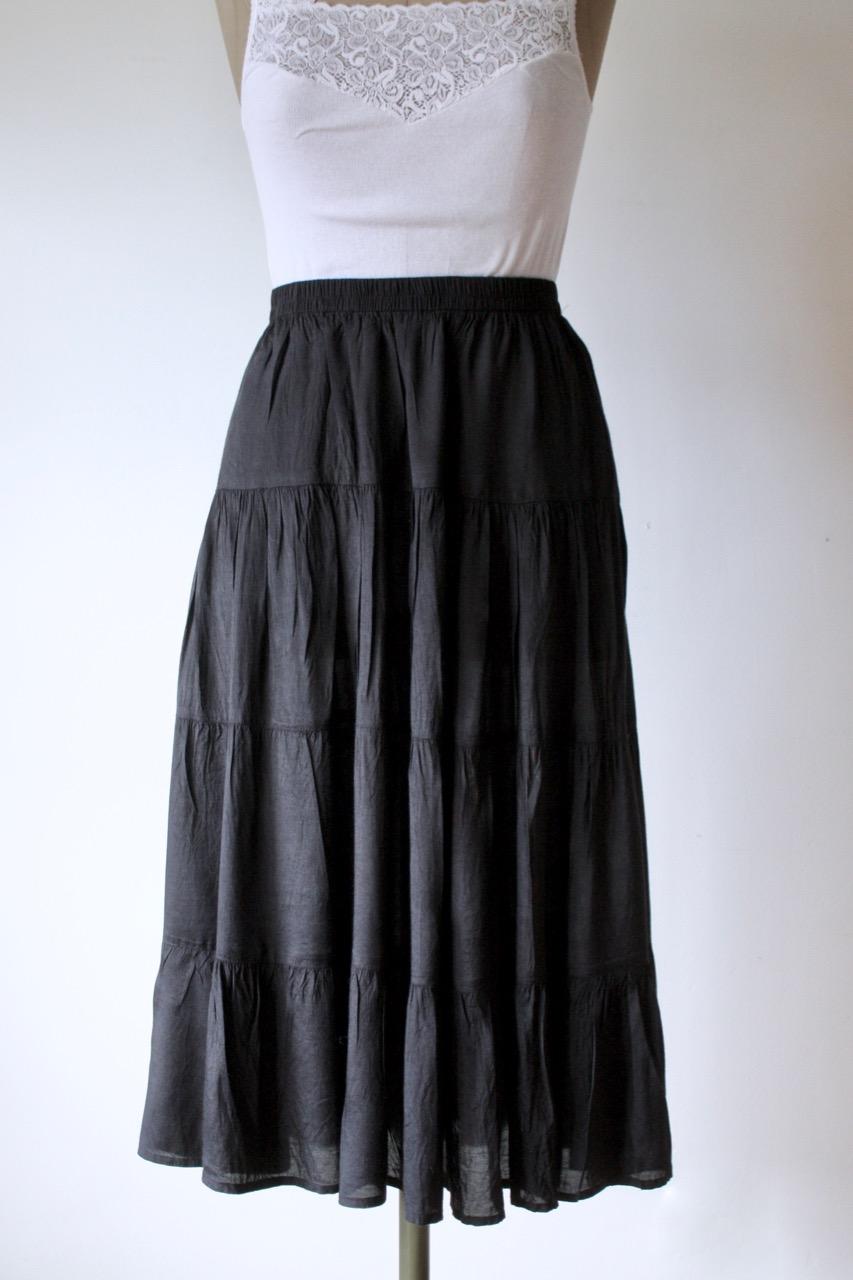Svart lång kjol, stl S-M