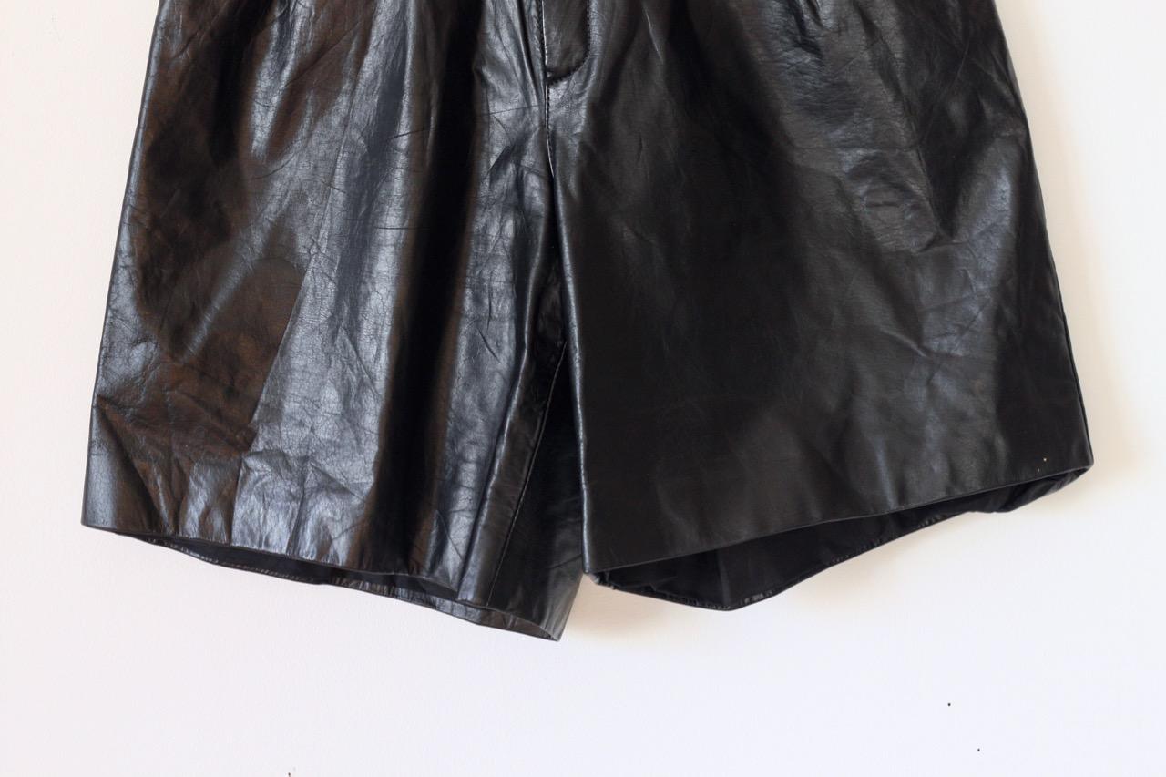 Vintage svarta lädershorts med hög midja (XXSmall)
