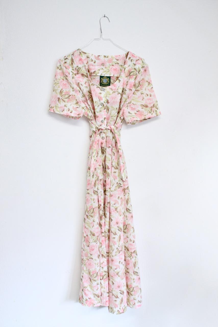 Rosa Blommig långklänning med knappar, stl M