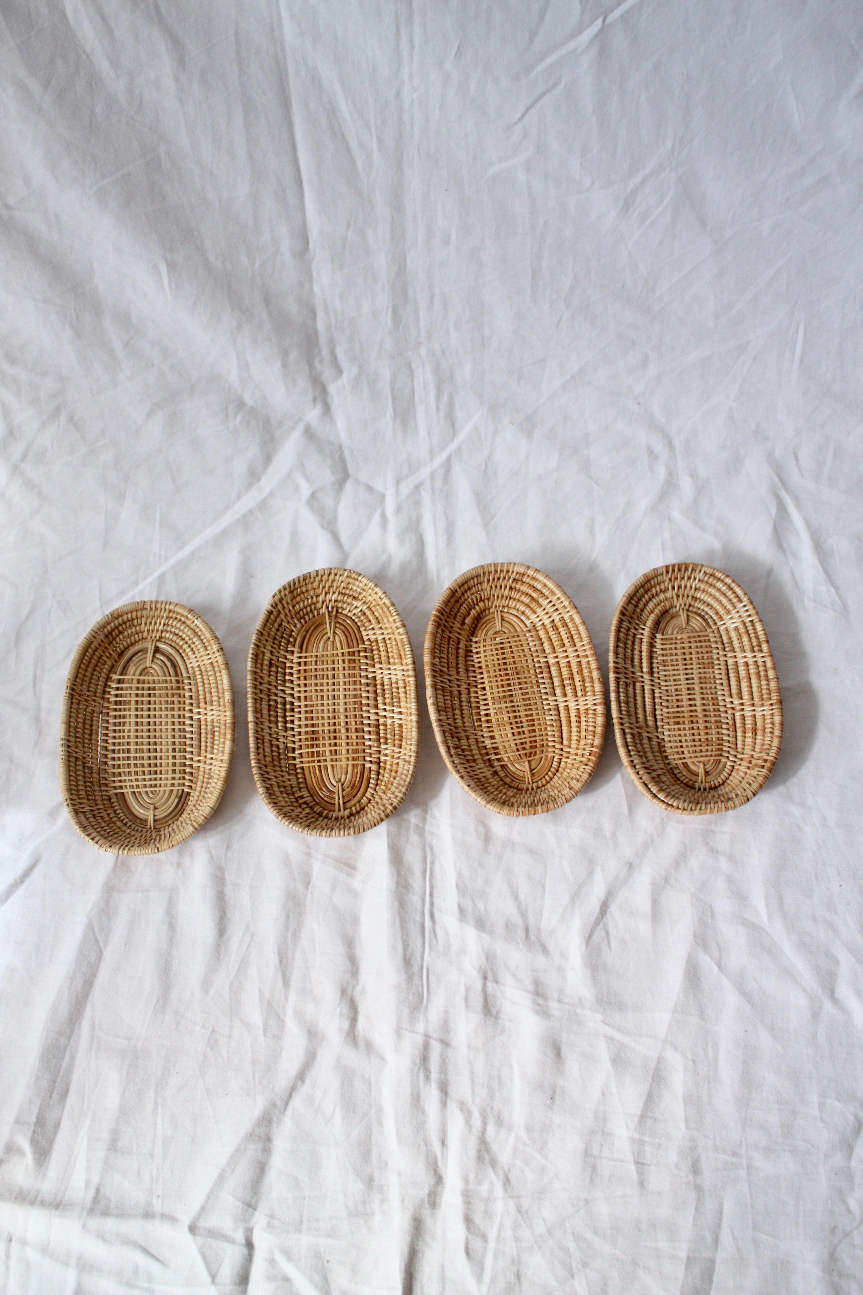 4st små brödkorgar/fat