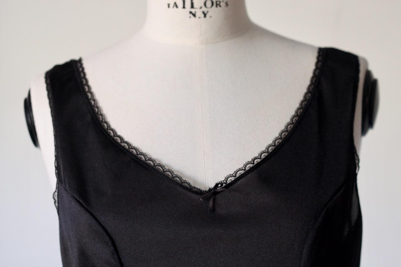 Svart linne/nattlinne (Small)