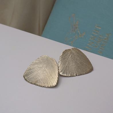 Serenity earrings, bronze | pronssiset nappikorvakorut