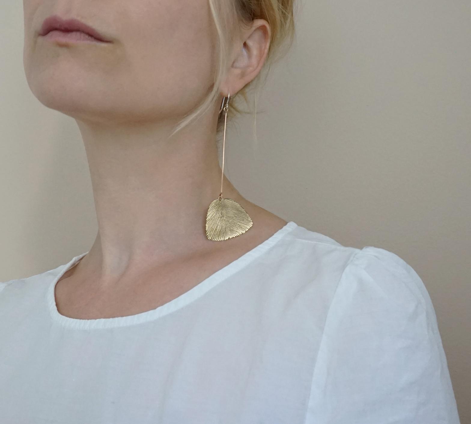 Serenity earrings (long), bronze | pronssiset, pitkät korvakorut