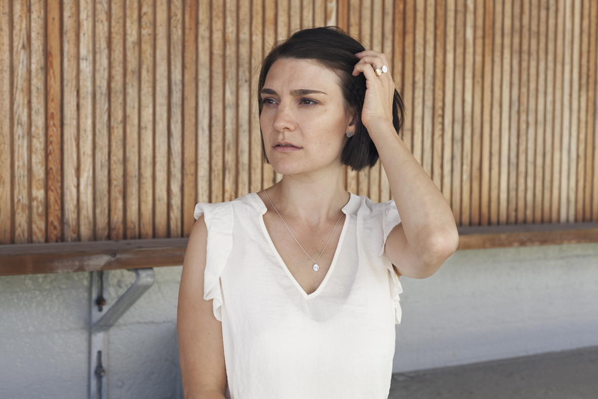 Joutsen-korvakorut | Swan earrings