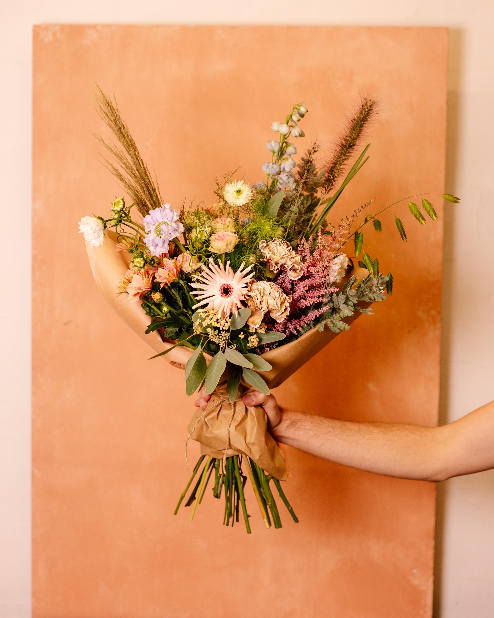Fresh flower bunch: Medium