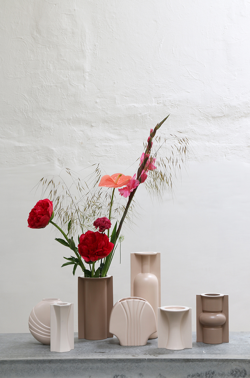 Flower vase matt nude