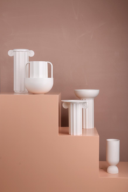Ceramic ribbed vase white
