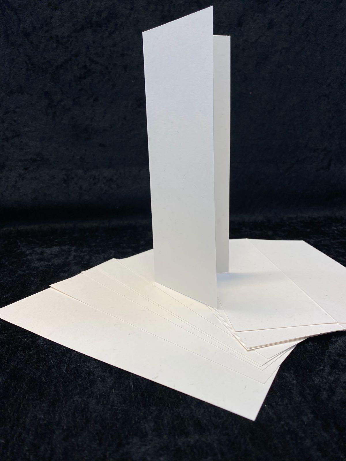 Slimcard base kremhvit med«sølvflak». TILBUD 10 stk kun kr. 25,-