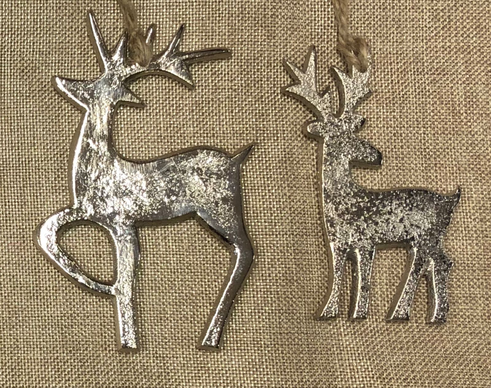 Hanging metal reindeer  15cm  (right on photo)