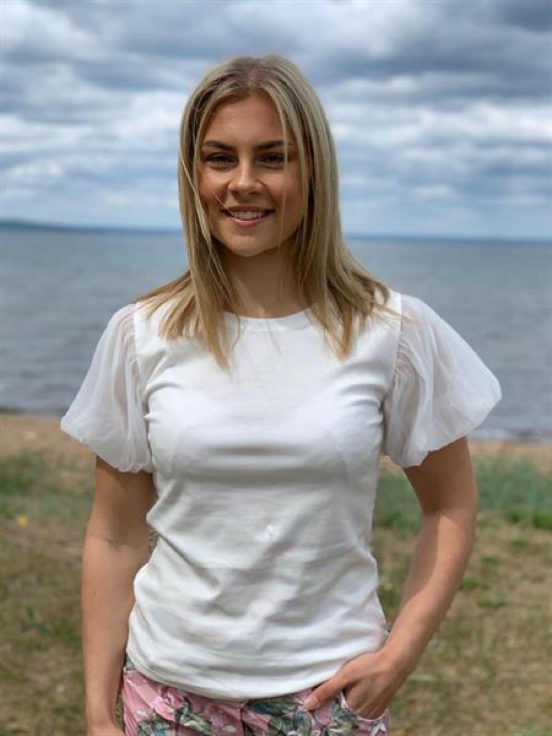 T-shirt med puffärm, vit