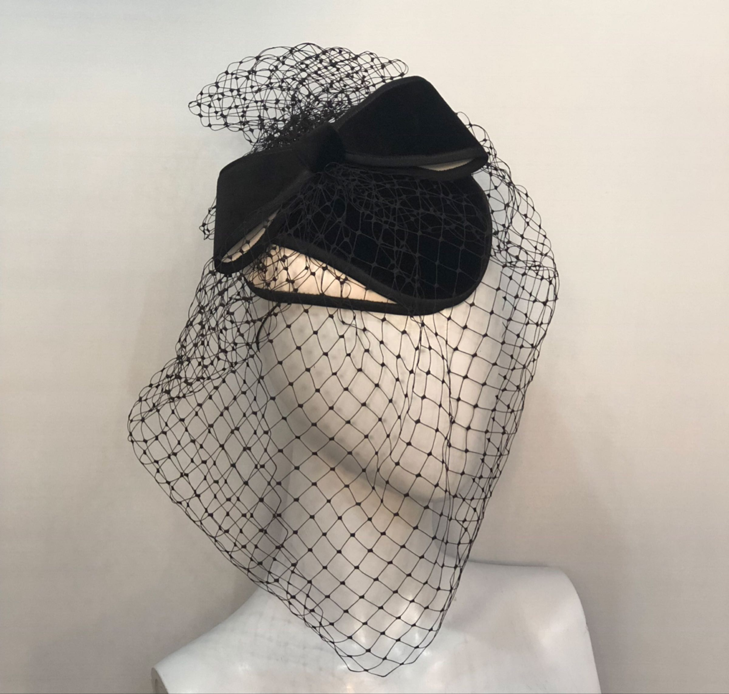 Black & White veiled percher