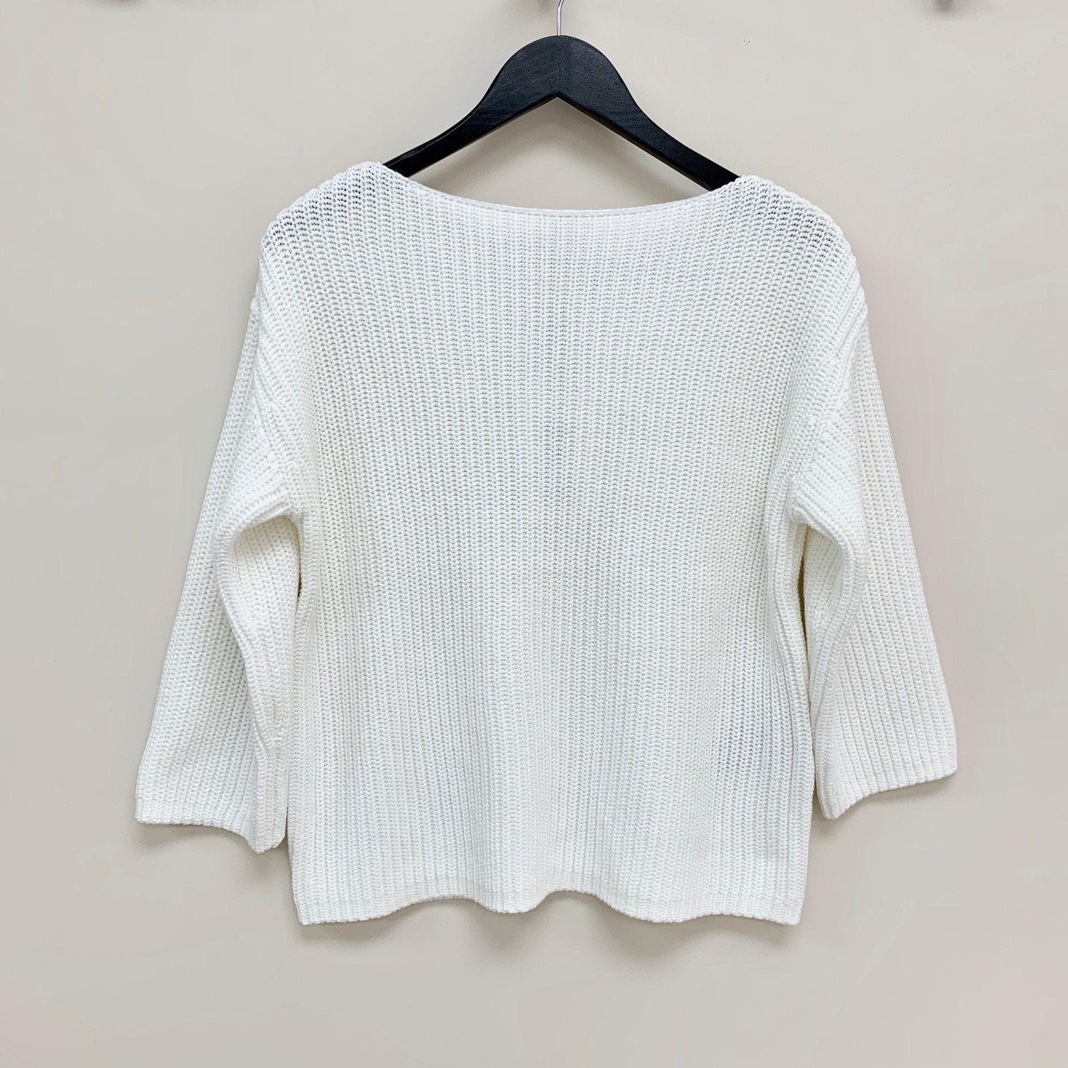 White boat neck knit