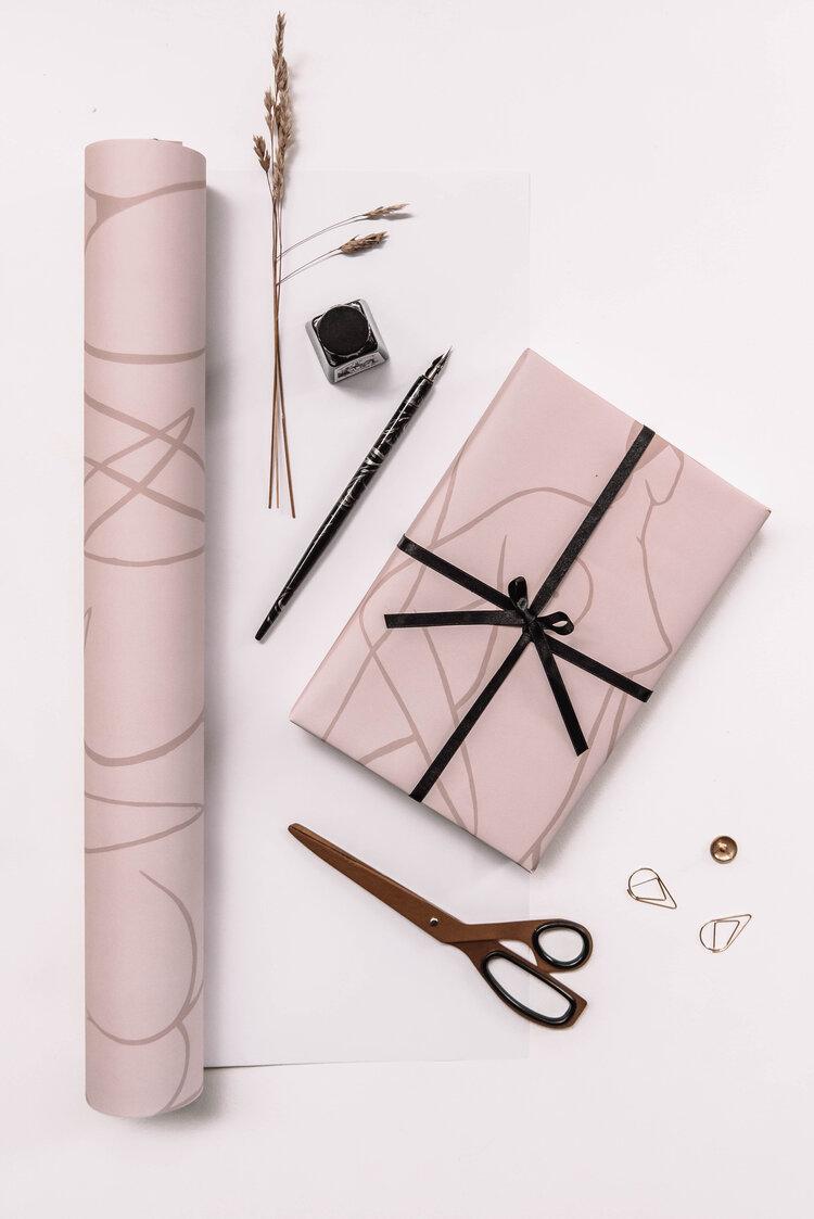 Pink Lady Illustration Wrap