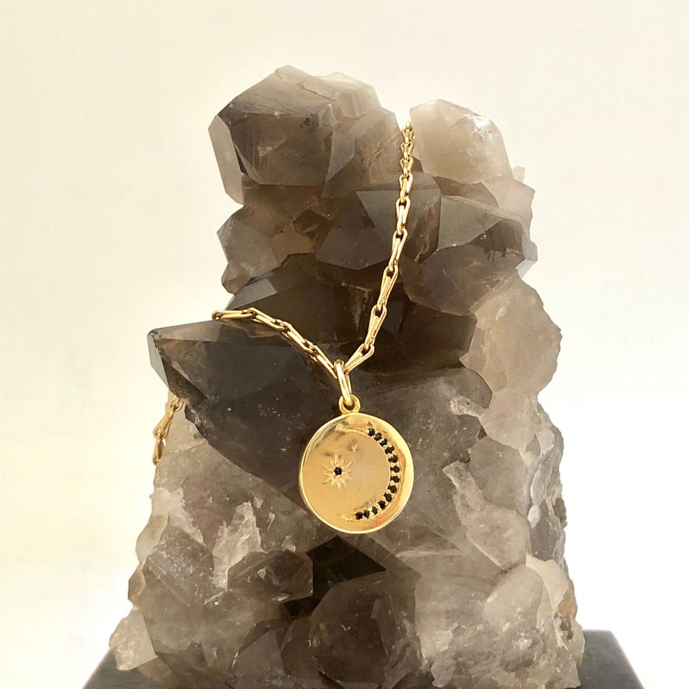 Crescent moon medal black zircon necklace