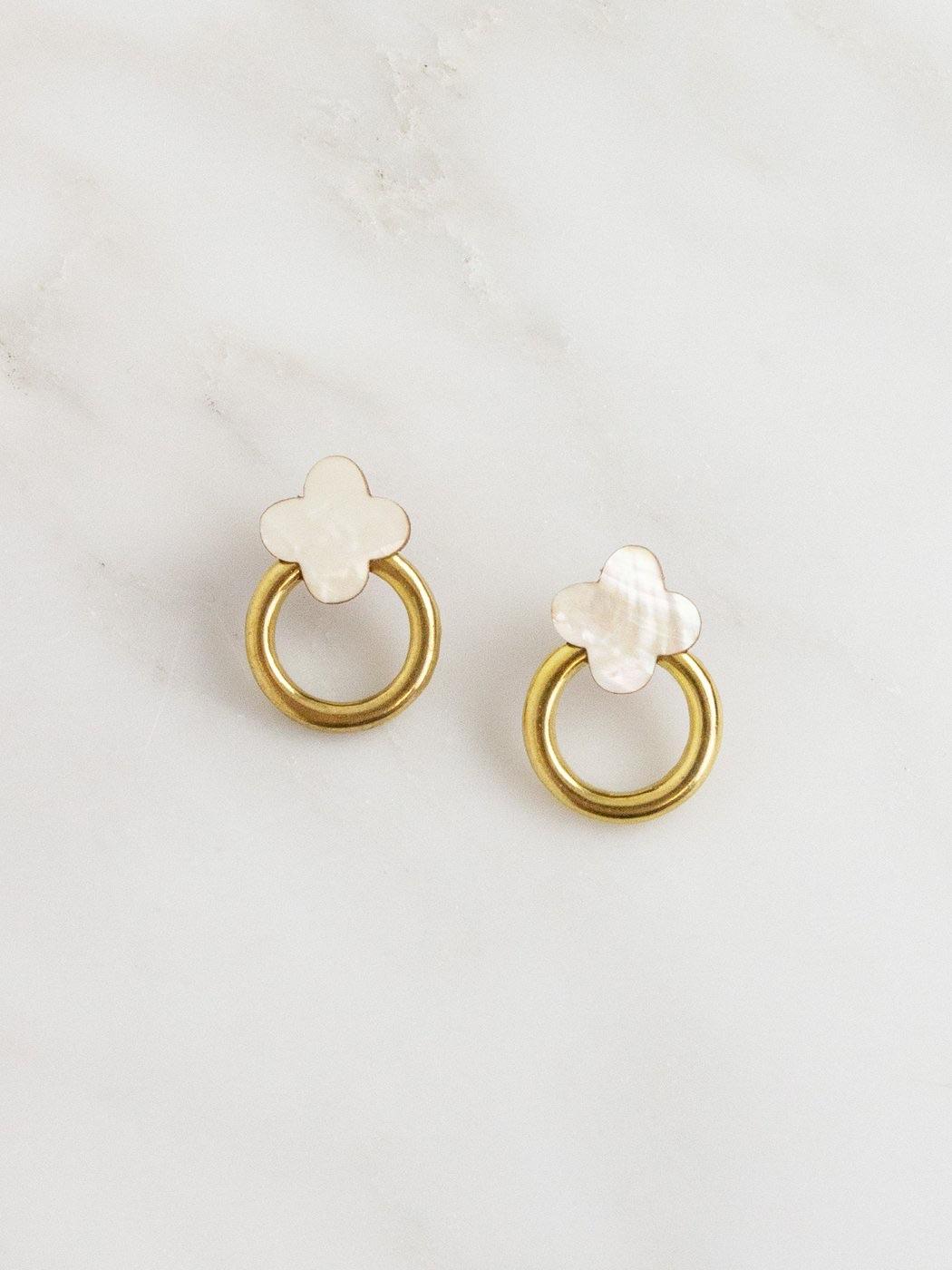 Elsa Stud Earrings mother of Pearl