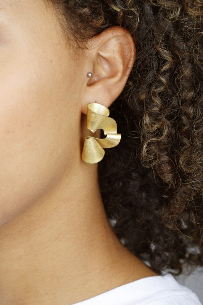 The Wave Stud Earrings