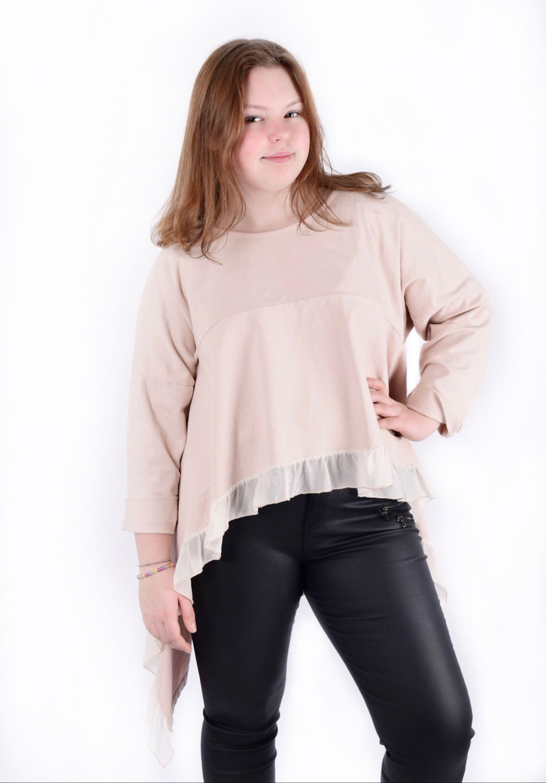 NEILA, rosa. Sweatshirt med volang