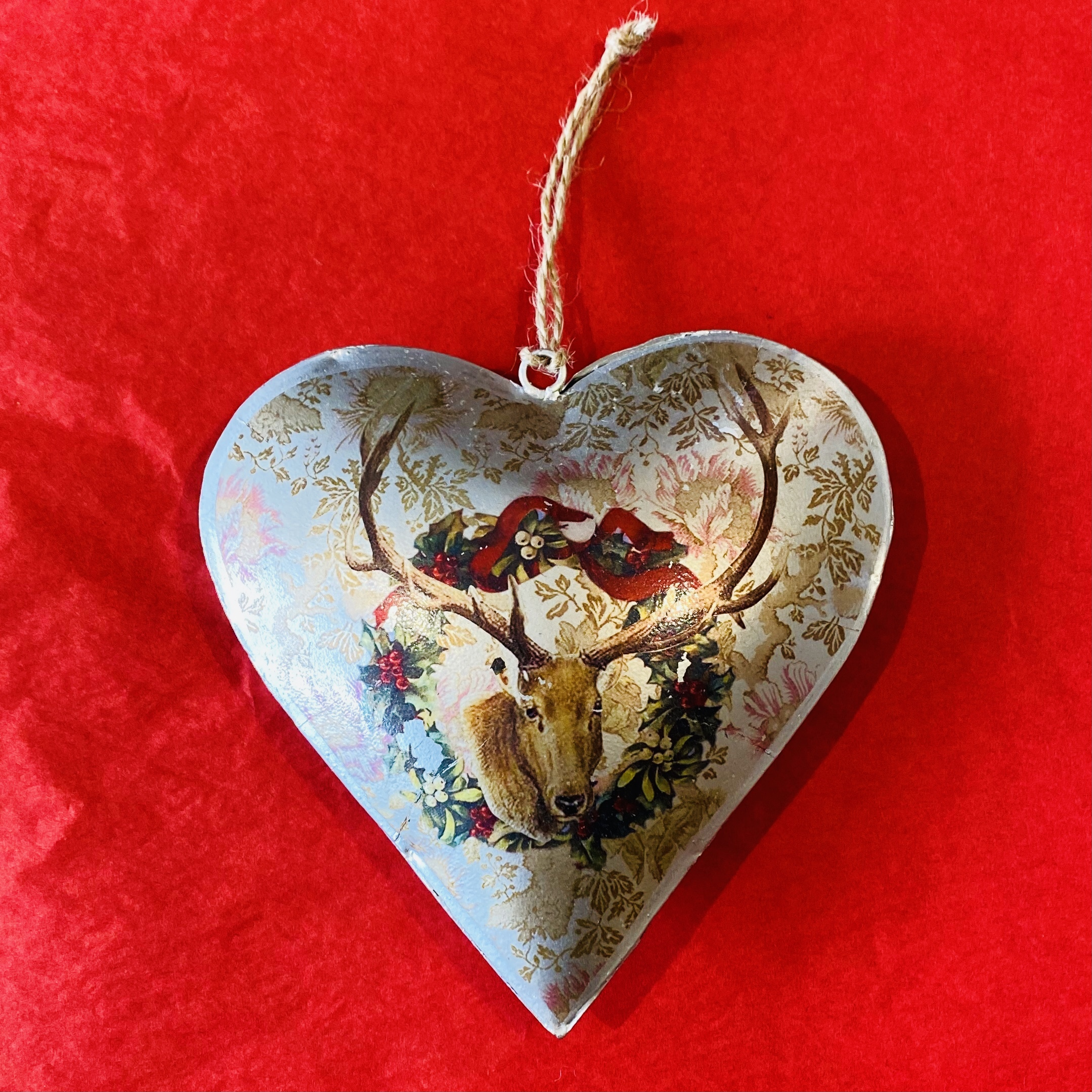 'Heart Stag & Wreath' Oversized Tin Decoration