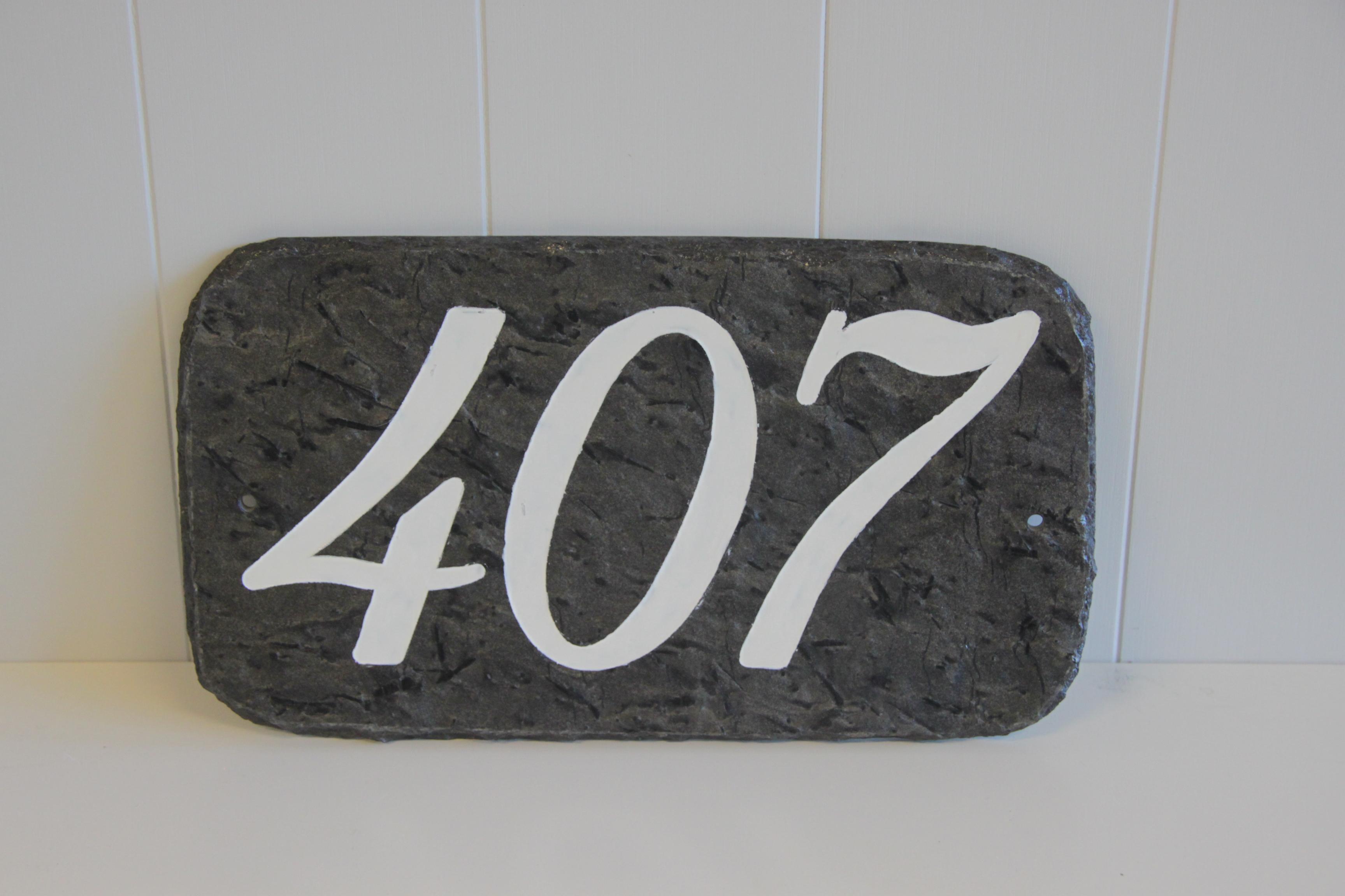 286 Nummerskilt 3 siffer m/skriftmaling vanessa 56_5L