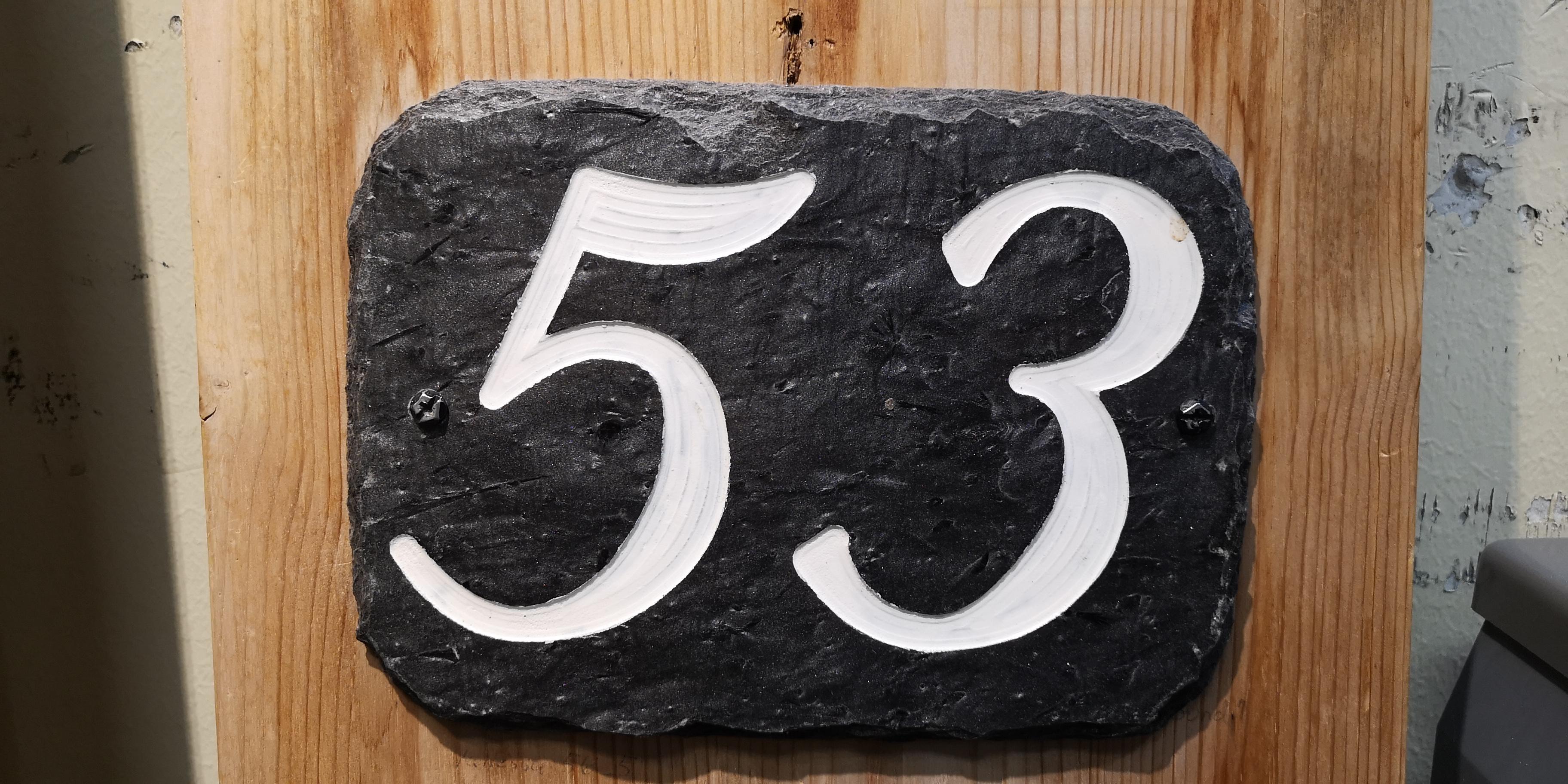 285 Nummerskilt 2 siffer m/skriftmaling vanessa 56_5L