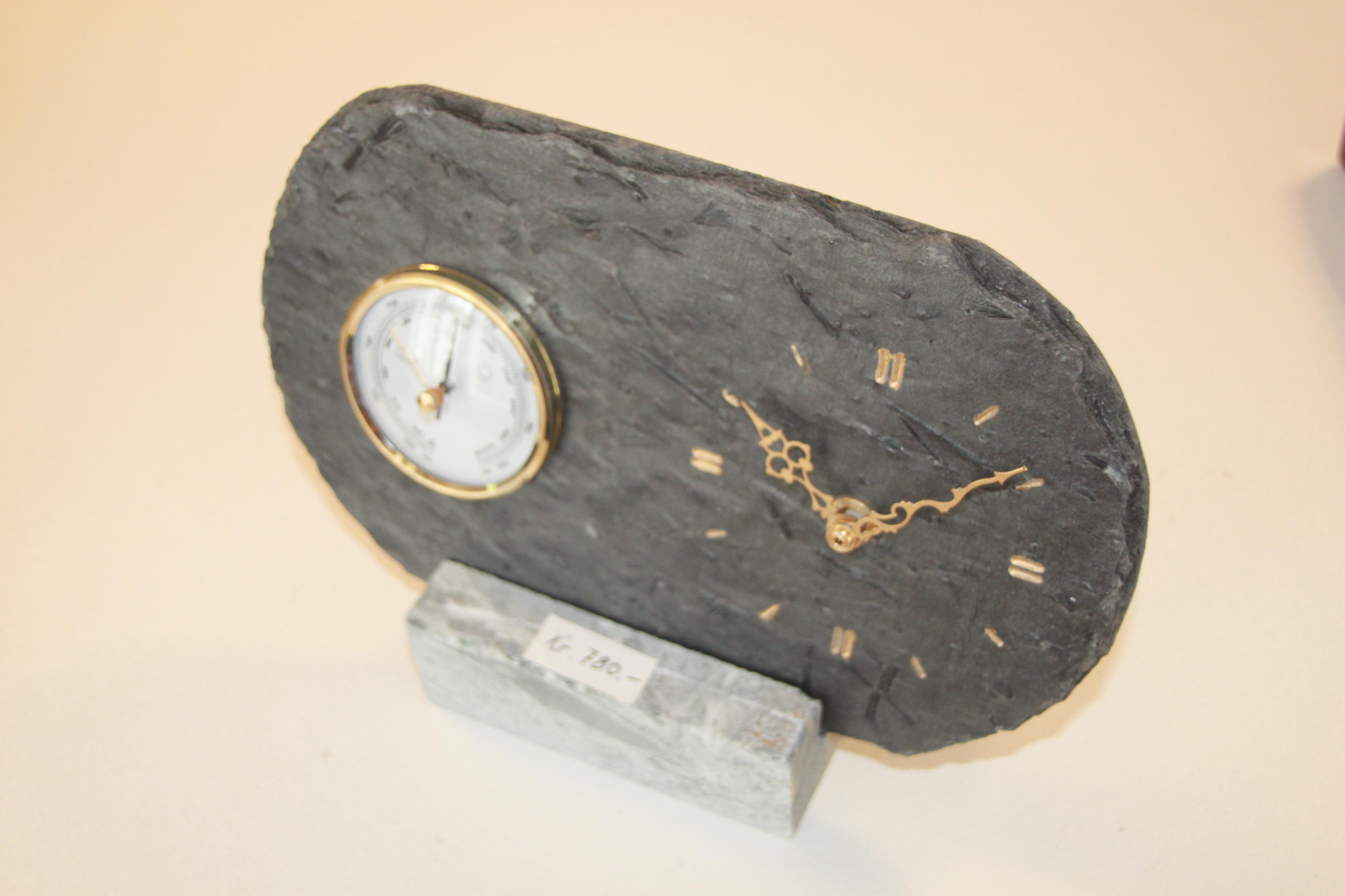 279 Skifer Barometer og klokke på kleberstett