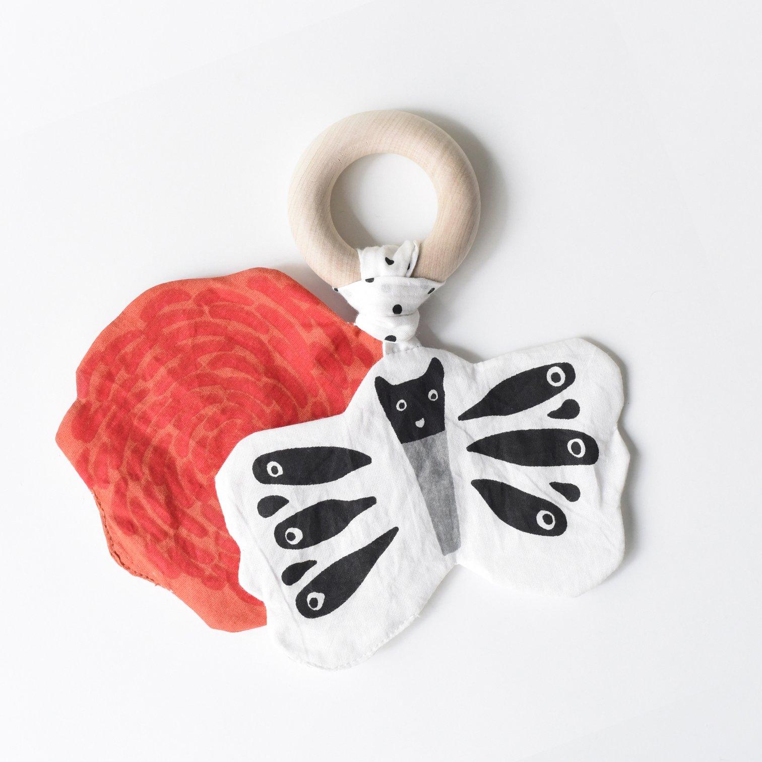 Wee Gallery - Knister Beißring Schmetterling