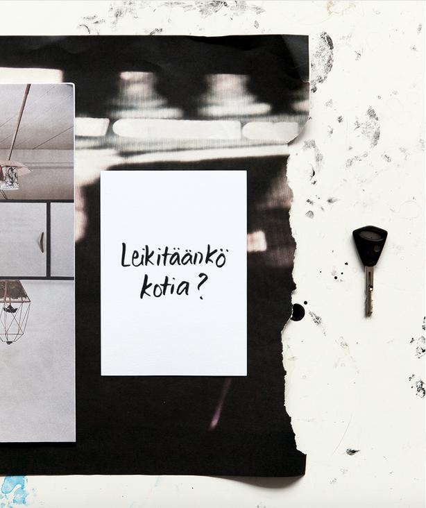 Ainoa Graphic Design: Leikitäänkö kotia? -postikortti