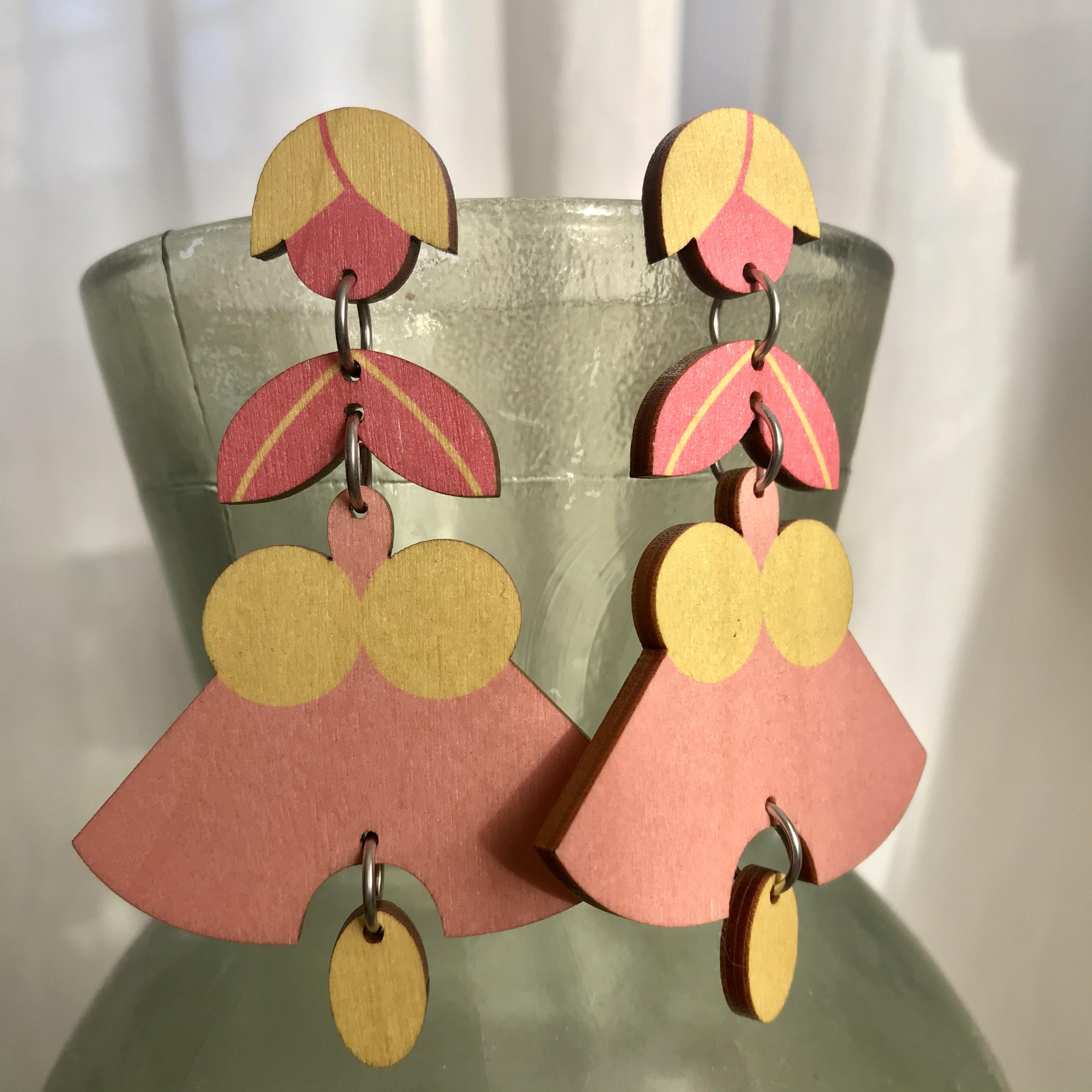 Jatuli: Liliopsida-korvakorut, pinkki-keltainen