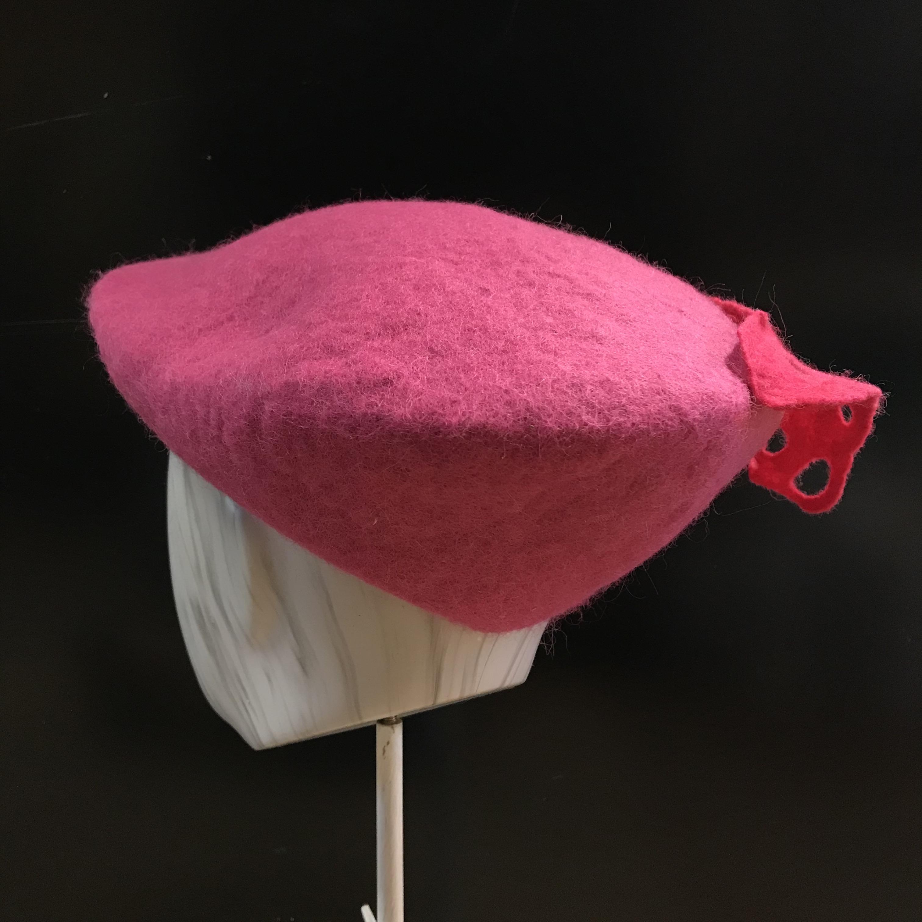 Kehräämö Mustalammas: Lätsä, pinkki koristeella