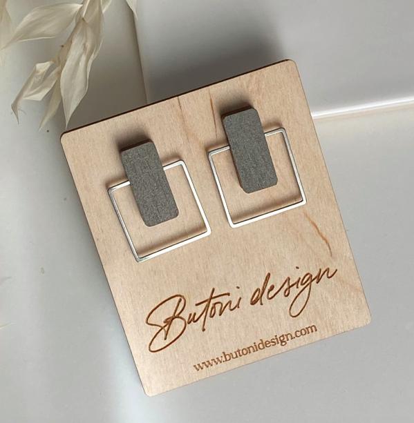 ButoniDesign: Neliö-korvakorut, khaki-hopea