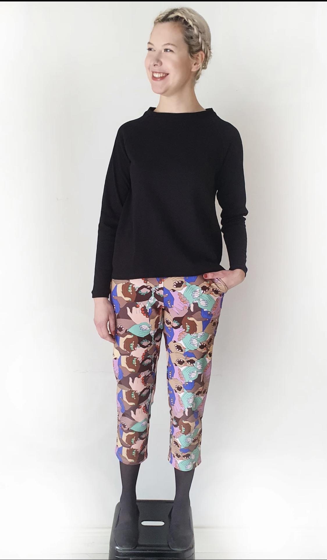 MUKA VA: Tyyne-housut Together-printillä