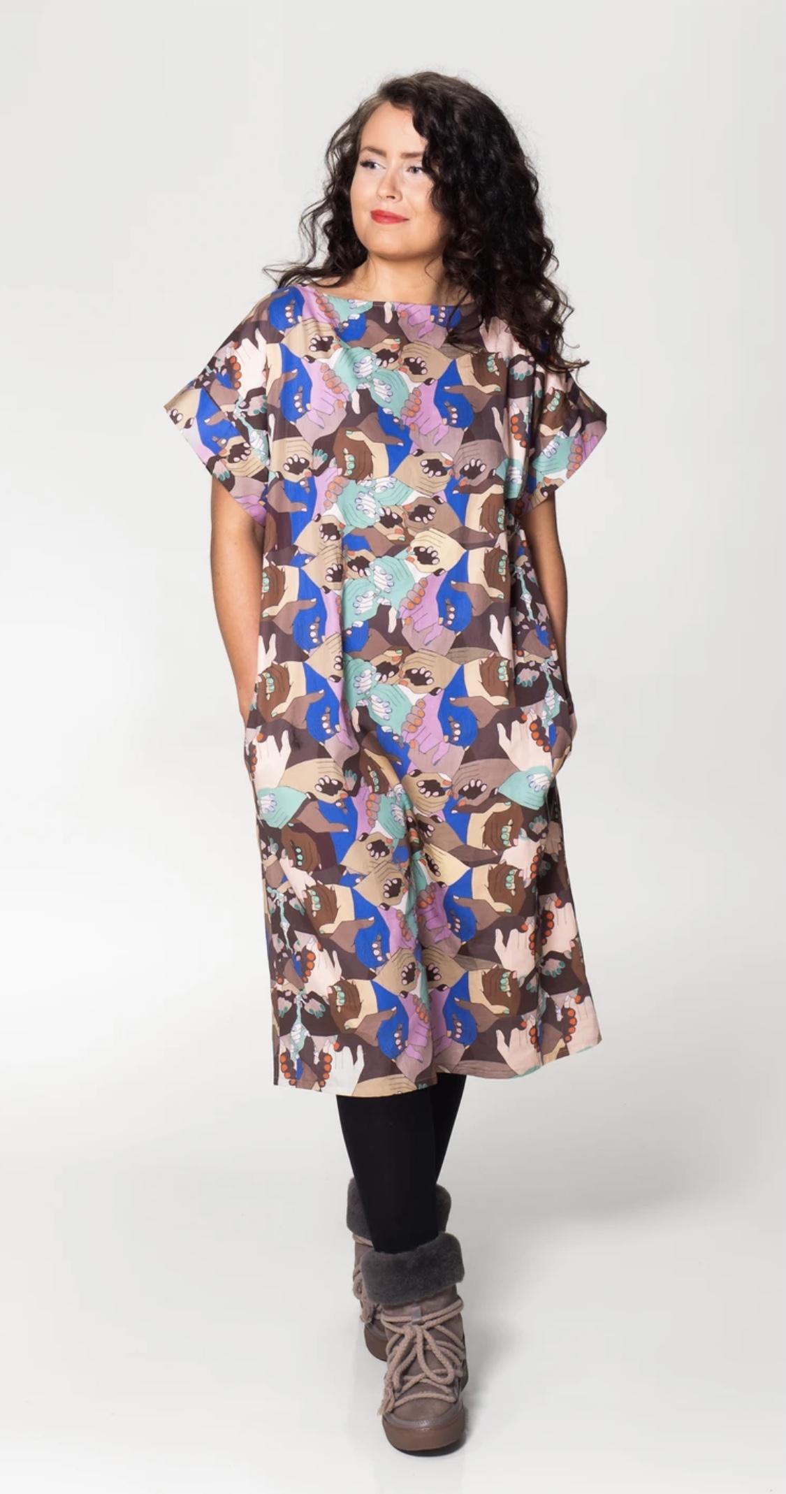 MUKA VA: Elisa-mekko Together-printillä