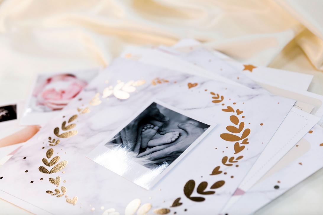 Ainoa Graphic Design: Kultapieni-lisäsivut Oot niin ihana -vauvakirjaan