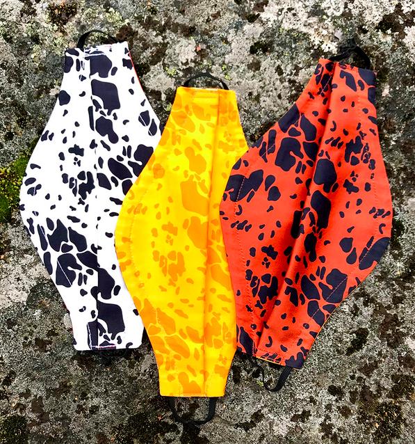 Vuurran: Kansanmaski, eri värejä