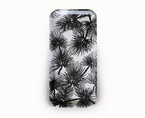 Design Palet: musta-valkoinen Havu-pikkutarjotin