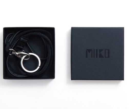 Miiko Design: hirvennahkainen avainkaulanauha, musta ja ruskea