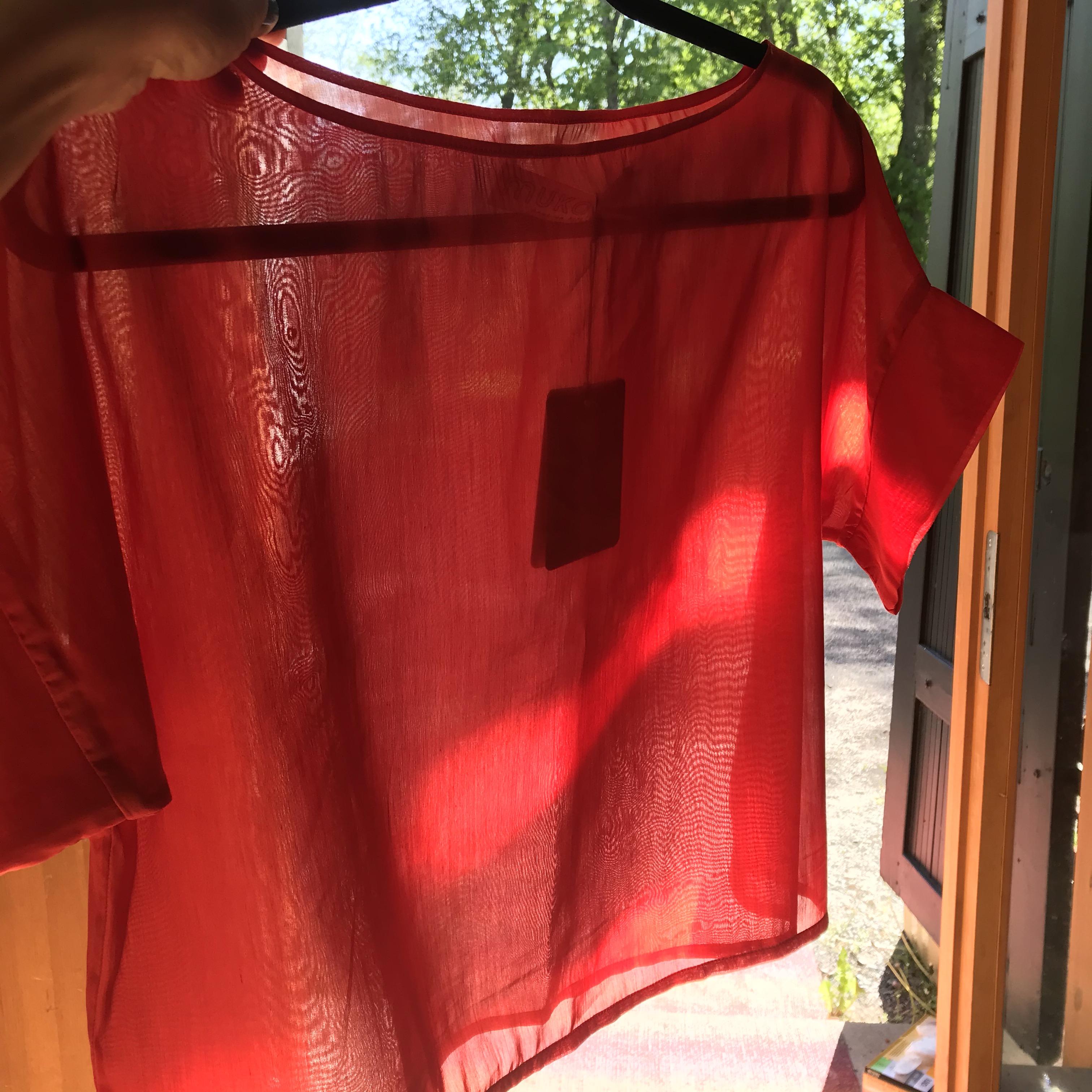 MUKA VA: Lissu-paita, läpikuultava puuvilla-silkki, ALE