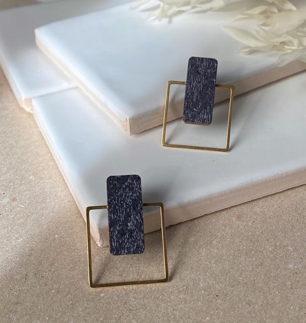 ButoniDesign: Neliö-korvakorut, tumma siniharmaa - kulta